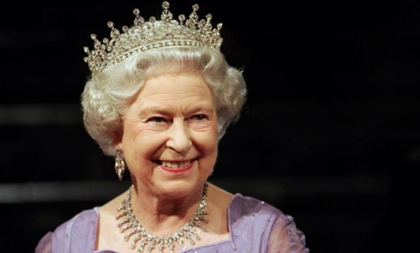 Королева Англии помиловала 49 тыс. казненных гомосексуалистов