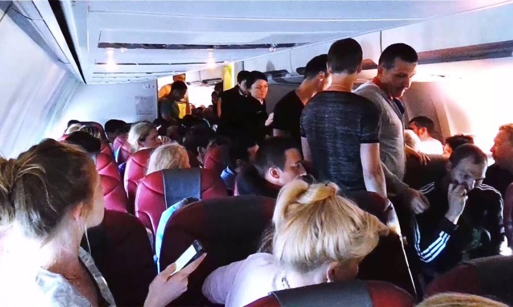 Двое молодых россиян устроили дебош в самолете и оказались в тюрьме индийского штата Гоа