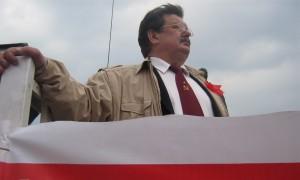 До сих пор не съехавший из служебной квартиры экс-депутат Заполев из КПРФ попросил еще неделю