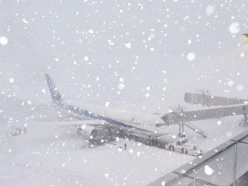 Погодные условия стали причиной задержки и отмены 70 рейсов в аэропортах Москвы