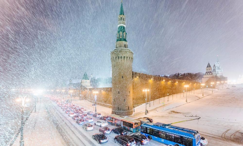 Более двух метров снега выпало с начала самой ранней в истории зимы в Москве