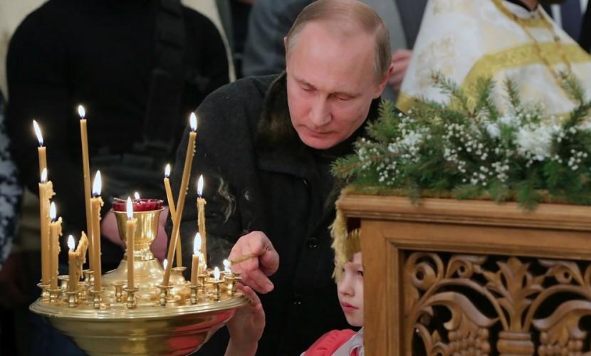 Владимир Путин встретил Рождество в монастыре с рыбаками