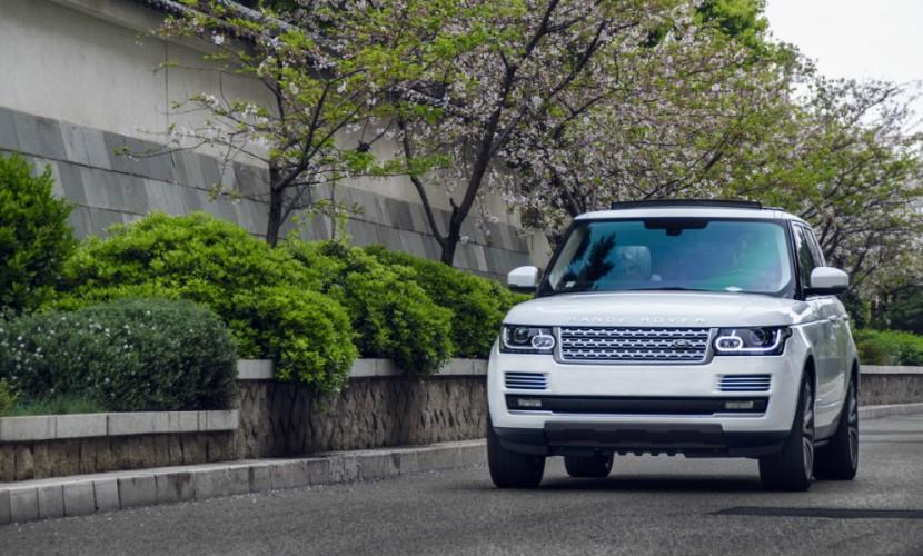 Стритрейсерша на белом Range Rover устроила беспредел на дорогах Ростова