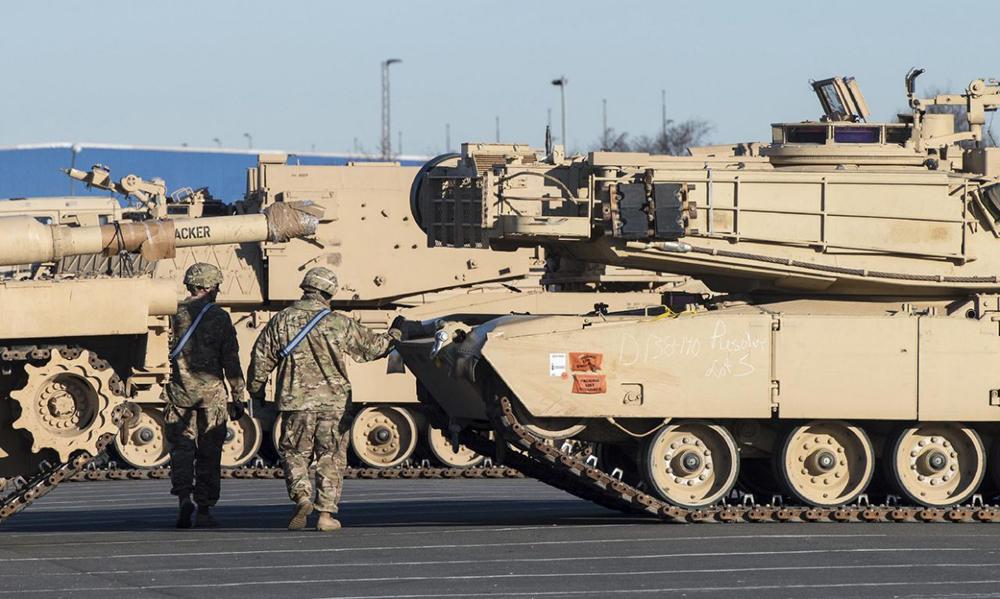 США доставили в Германию танки и другую бронетехнику для размещения в Восточной Европе
