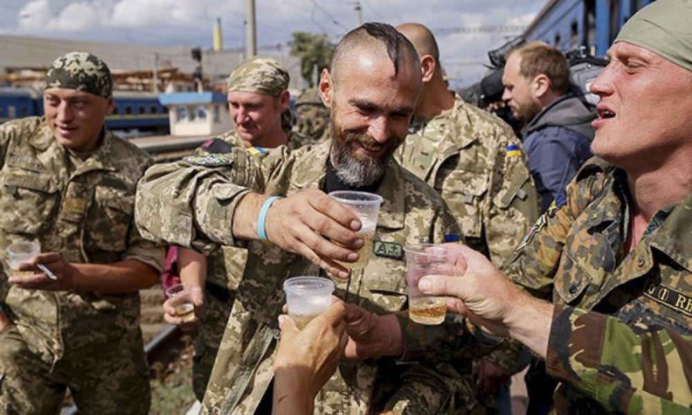 Семеро украинских бойцов полегли в результате расстрела пьяным сослуживцем в Луганской области