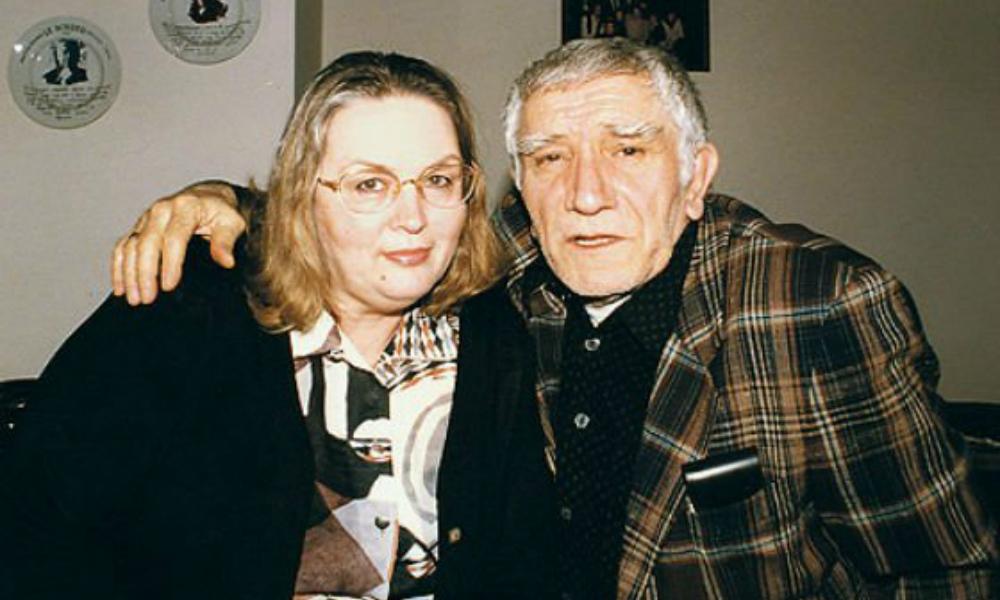 Суд оставил деньги от продажи дома в США бывшей жене Армена Джигарханяна