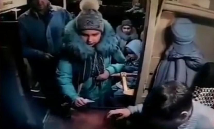 ВВыборге школьницу высадили изавтобуса намороз