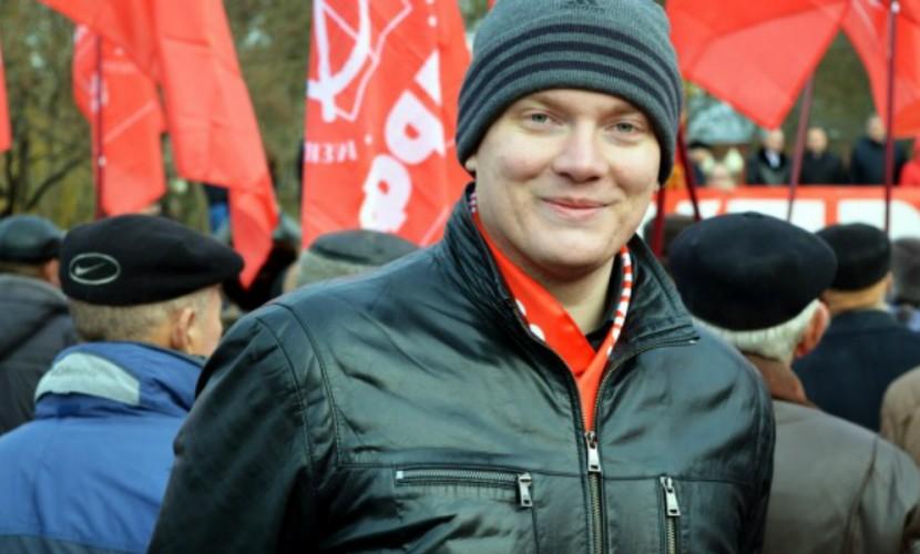 Орловского депутата попытался грубо высадить из трамвая кондуктор