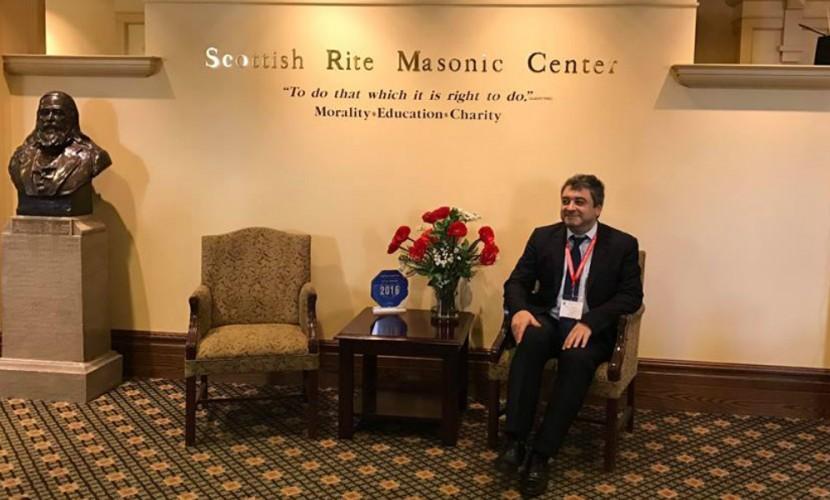 Глава масонской ложи во время полета над США решил баллотироваться в президенты России