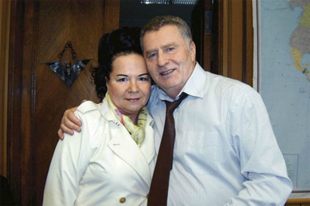 Жириновский обещал жене стать министром, но может сделать ее первой леди