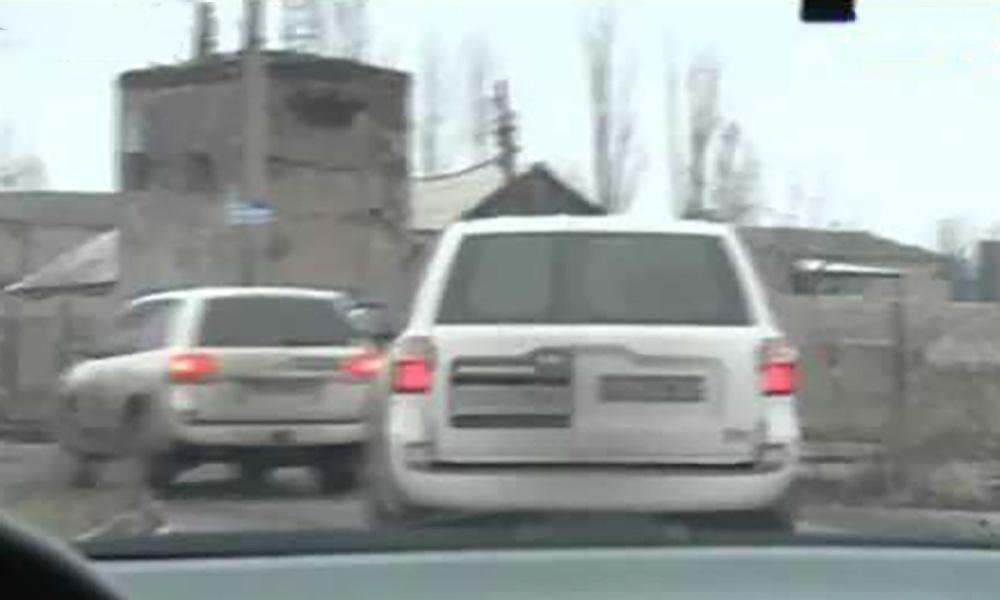 Представители ОБСЕ спешно покидают Донецк