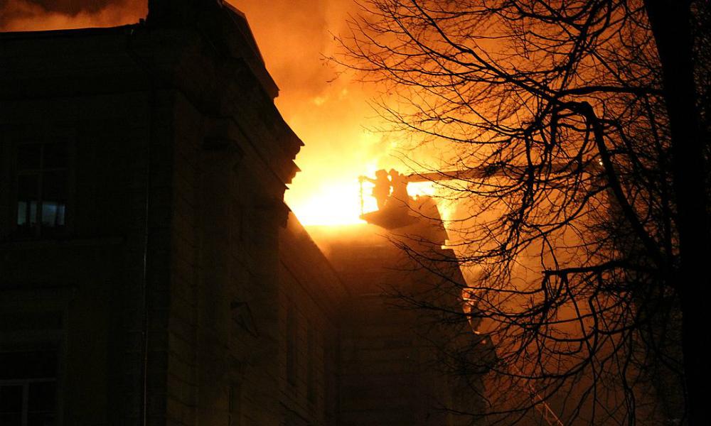 В Твери полностью сгорела детская больница, где когда-то снимали фильм «Чучело»