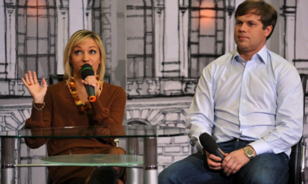 «Может, у нас еще будет свадьба»: Буланова намекнула на воссоединение с Радимовым