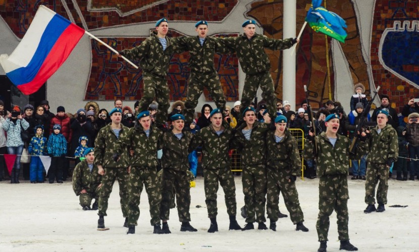 Депутат Госдумы и казаки предложили перенести День защитника Отечества на август и апрель