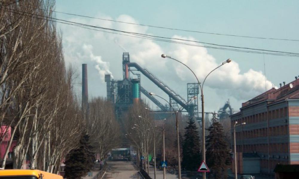 Два крупных завода в Донбассе прекратили свою работу из-за блокады украинских радикалов