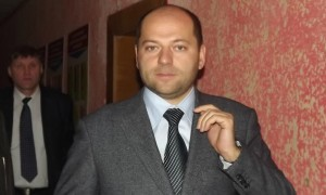 Давшему совет «поменьше есть» депутату суд выдал деньги на пропитание