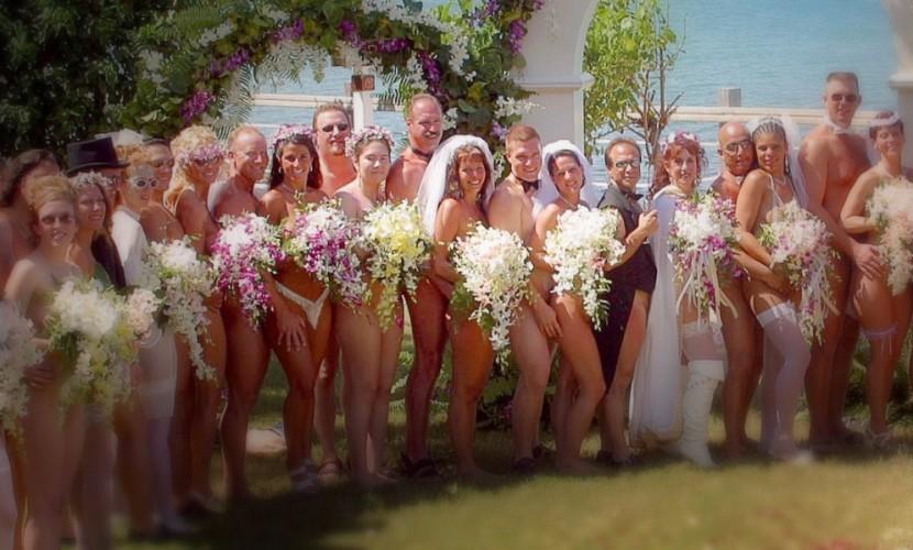 В День всех влюбленных традиционные «голые свадьбы» сыграли на Ямайке