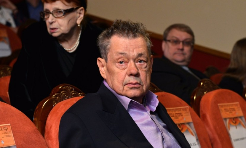 Николая Караченцова после ДТП в Подмосковье перевели в столичный НИИ имени Склифосовского