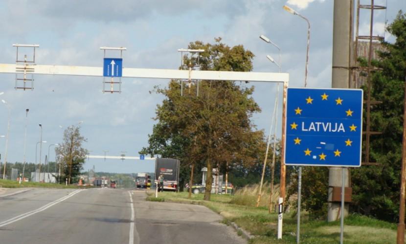 Латвия построила трехметровую стену на границе с Россией