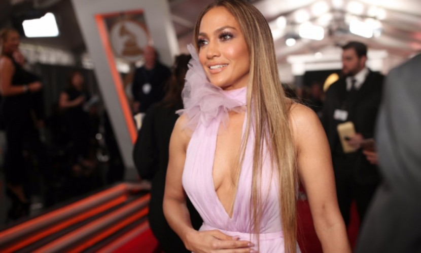 Лопес возглавила топ-5 самых сексуальных образов на церемонии вручения Grammy в Лос-Анджелесе