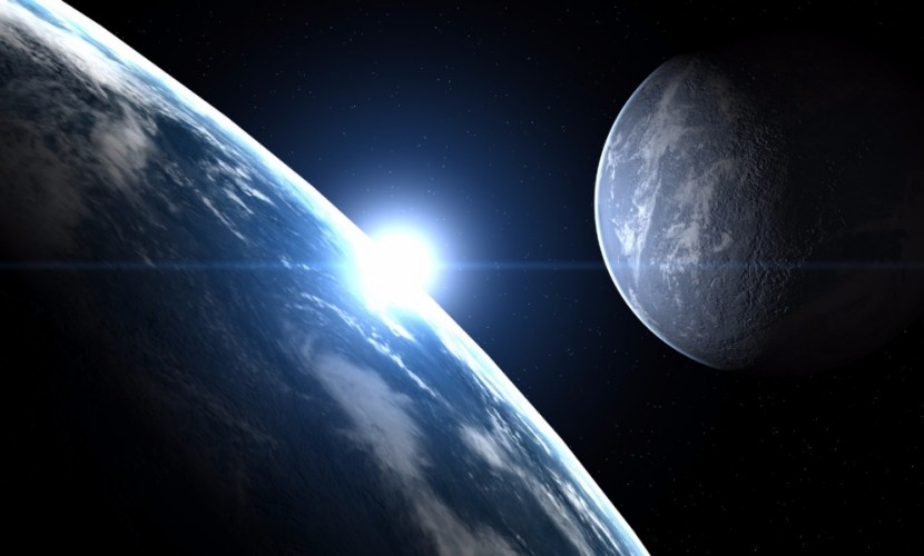 Американский планетолог рассказал журналу Forbes, когда столкнутся Земля и Луна