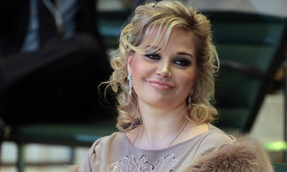 «Всё должно быть по закону»: в «Гнесинке» опровергли информацию об увольнении Марии Максаковой