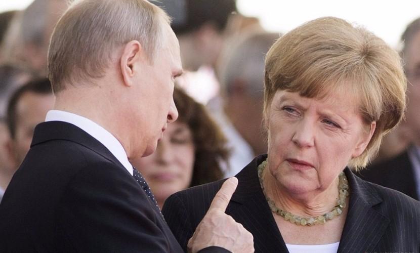 Путин и Меркель в личном разговоре выразили серьезную обеспокоенность ситуацией на Украине
