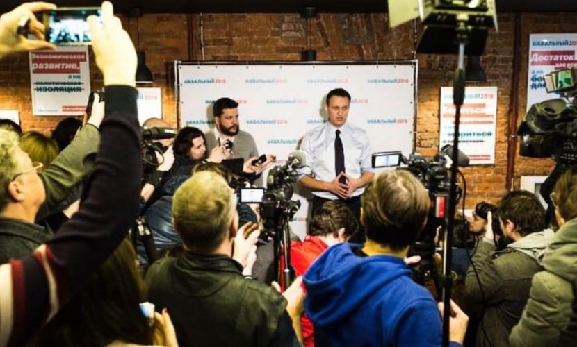 Навальный открыл в Санкт-Петербурге предвыборный штаб и назвал Полтавченко злодеем