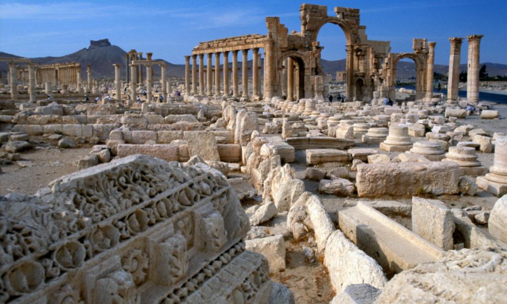 Очевидцы: Террористы стирают древнюю Пальмиру с лица земли