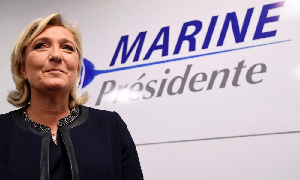 Ле Пен спрогнозировали победу в первом туре выборов президента Франции и поражение во втором