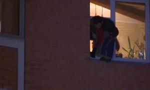 Захвативший семью в заложники в Москве выпрыгнул из окна