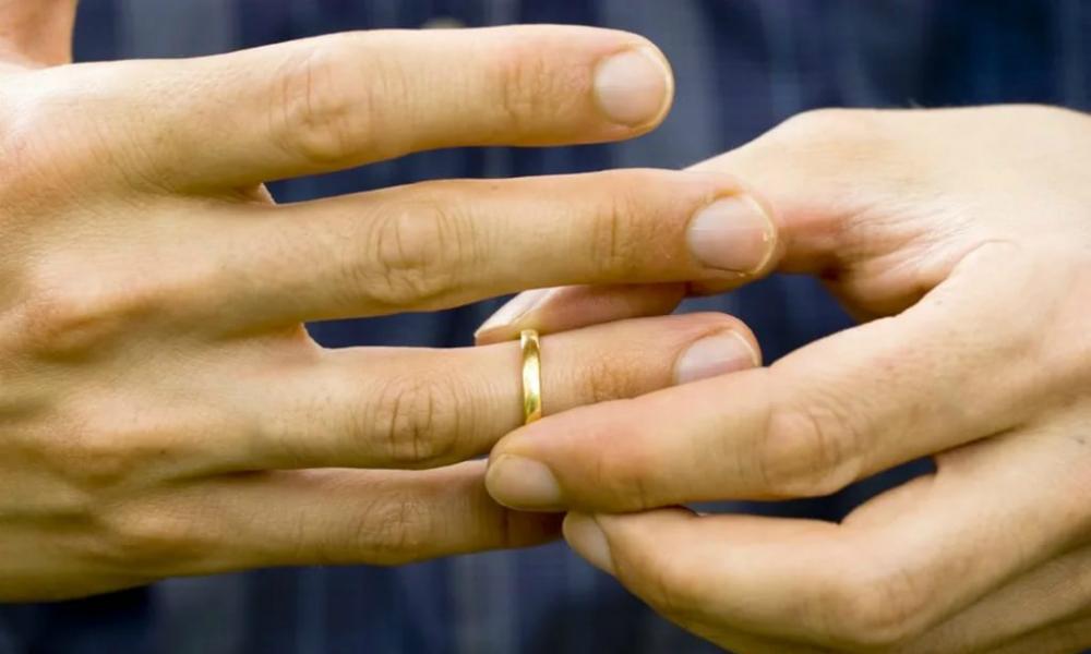 В загсах Татарстана и Белгородской области появились комнаты «спасения брака»
