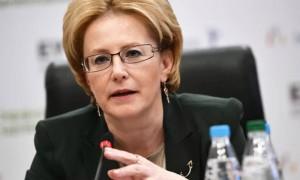 Министра здравоохранения удостоили премии «Щит и роза» за спасение человека на борту самолета