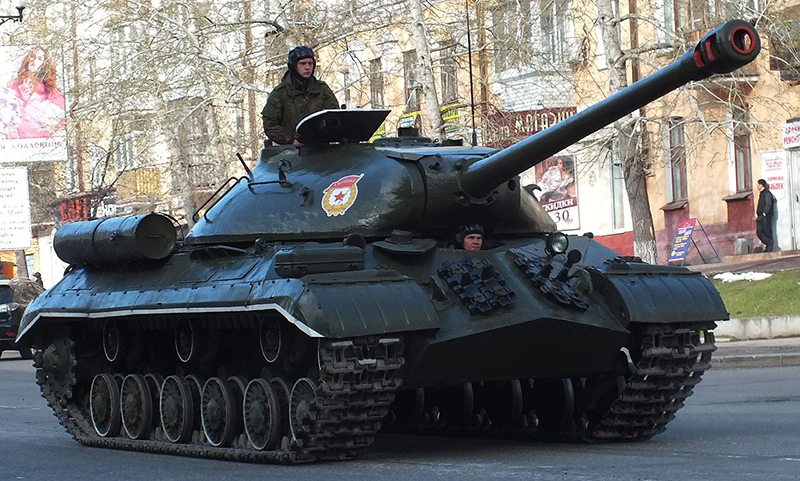 Календарь: 29 марта - Иосиф Сталин принят в Красную армию