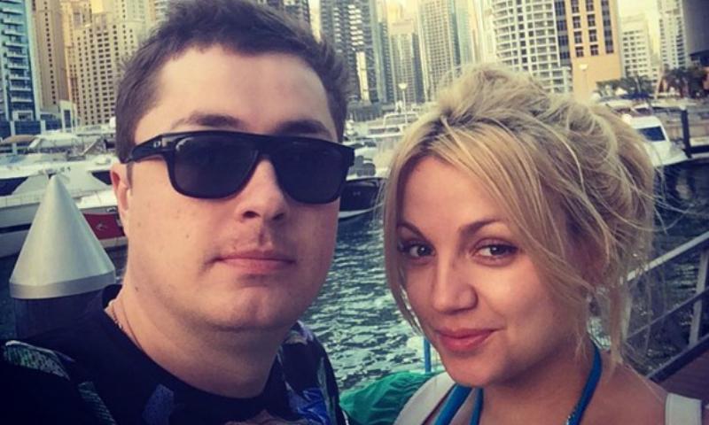 Известный КВНщик попросил помощи в спасении тяжелобольной невесты