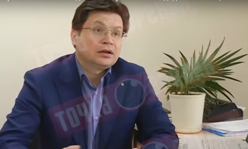 «Чувствительный» цветок завял от нахваливания экспертом участников праймериз в Кировской области