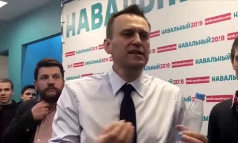 Навальный обозвал журналисток «Блокнота» проститутками после неудобного вопроса о финансировании предвыборной кампании
