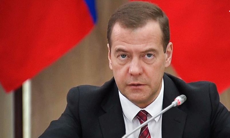 Премьер Медведев определился с индексацией пенсий россиян