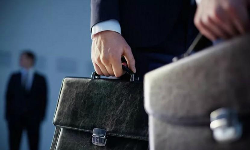 Среднемесячная заработная плата федеральных чиновников в прошлом 2016-ом году возросла на4% — Росстат