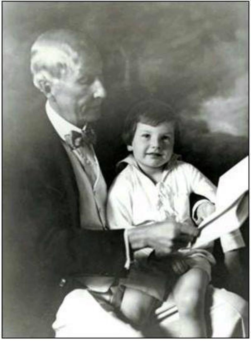 С легендарным дедом