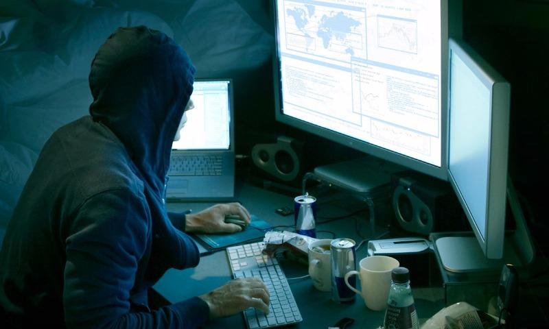 Хакеры взломали аккаунты в Twitter сотен организаций и известных личностей со всего мира