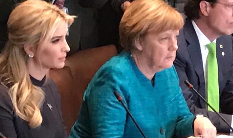 Соцсети поиздевались над взглядом Меркель на Иванку Трамп