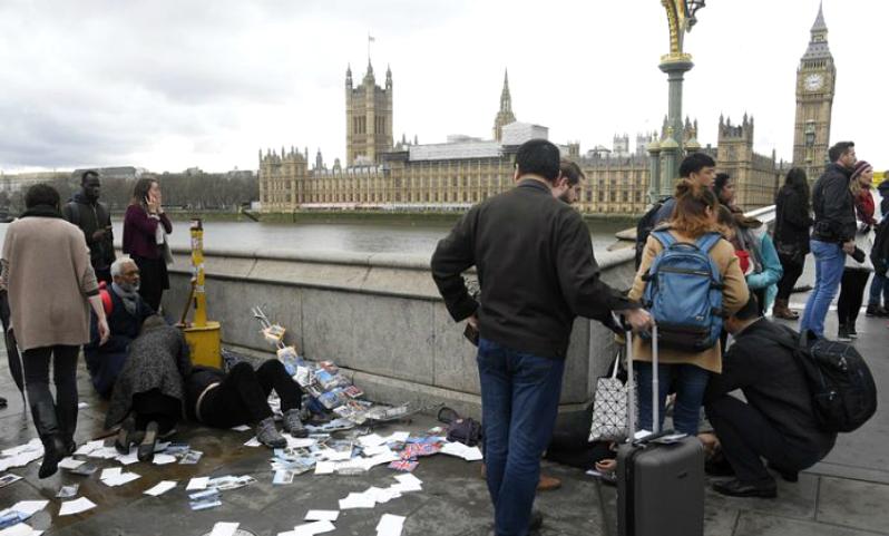 Пять человек погибли и сорок получили ранения в результате теракта возле парламента Великобритании