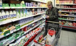 Роспотребнадзор: более половины продуктов в российских магазинах не соответствуют нормам