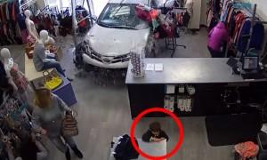 78-летняя старушка за рулем внедорожника Toyota едва не убила ребенка в США
