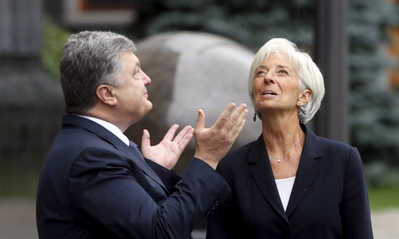 Порошенко после решения МВФ по траншу заявил о потере Украиной влияния над Донбассом