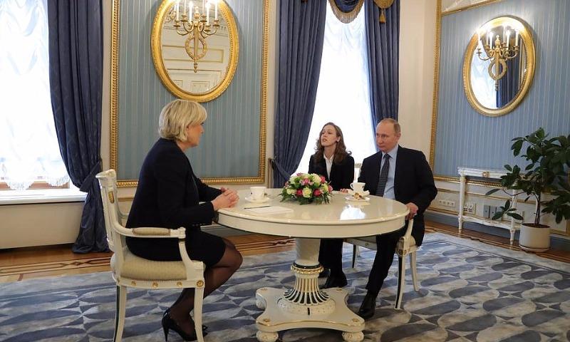 Путин пообещал Ле Пен на встрече в Кремле не вмешиваться в выборы президента Франции-2017