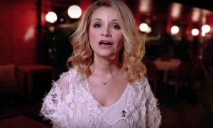 Звезды российской эстрады поддержали музыкальным флешмобом Самойлову