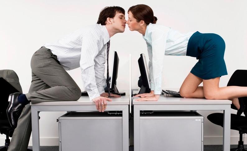 Лучшим стимулятором эффективной работы является регулярный секс, - ученые