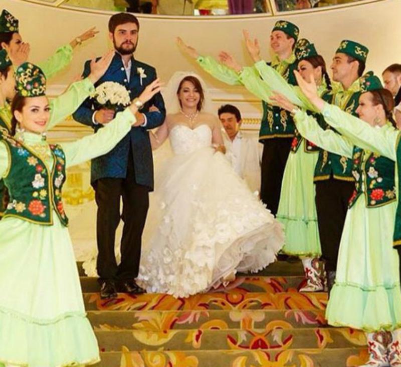 Сваха устроила дочери шикарную свадьбу в татарских традициях